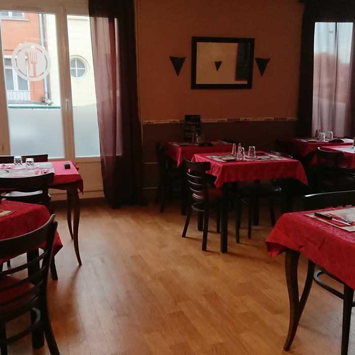 Le Commerce Gournay-en-Bray salle intérieure brasseries et bistrots