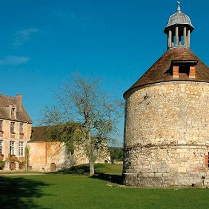 Vue extérieure Abbaye de Mortemer à Lisors culture et patrimoine