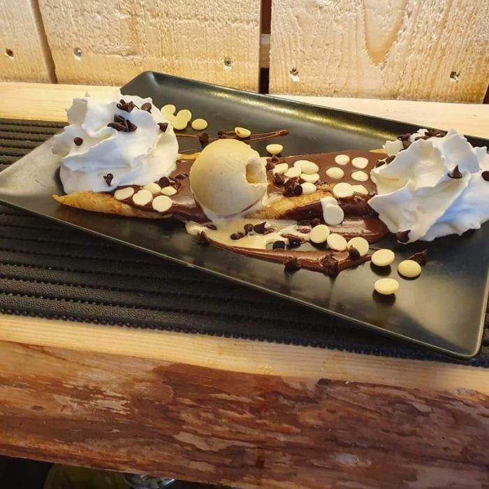 Dessert crêpe Aux Anciennes Halles à Buchy brasseries et bistrots