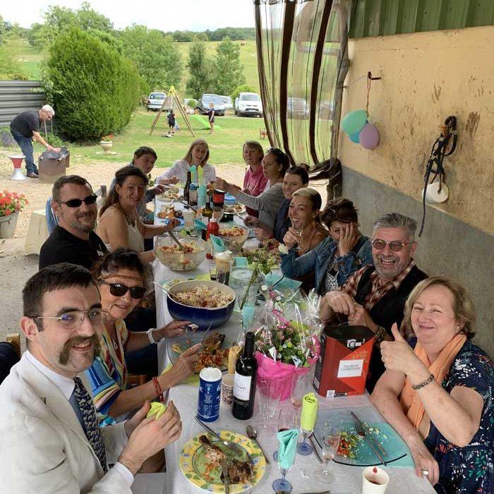 Déjeuner équipes Ecurie Einola La-Chapelle-aux-Pots Loisirs