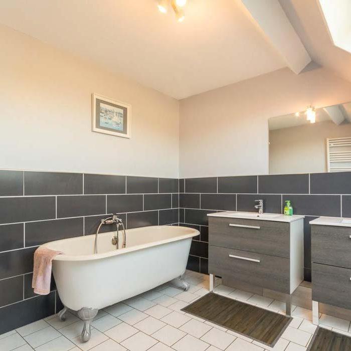 Salle de bain au gîte de la Presle à Beaubec-la-Rosière gîtes et meublés
