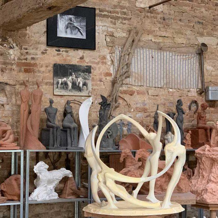 Jardin des sculptures Château de Bois-Guilbert atelier