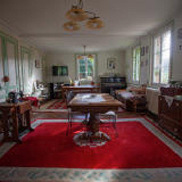 Grand Salon à La Tourelle à Vascoeuil chambre d'hôtes