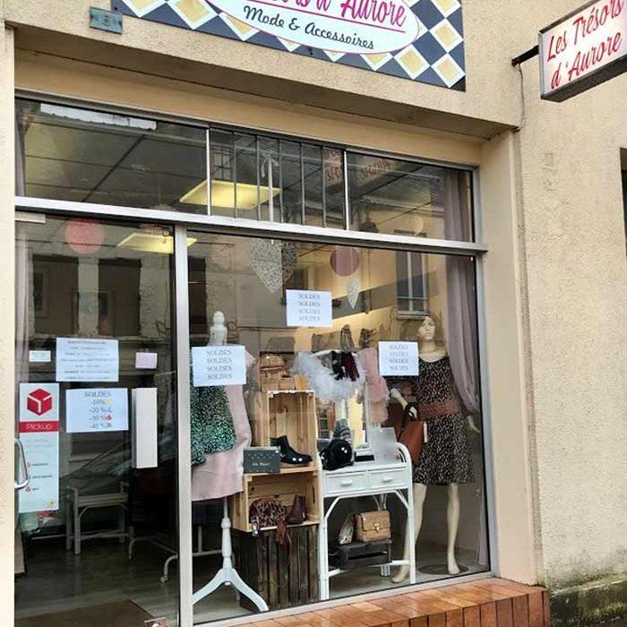 Devanture magasin Les Trésors d'Aurore Boutique Gournay-en-Bray commercants pass avantages