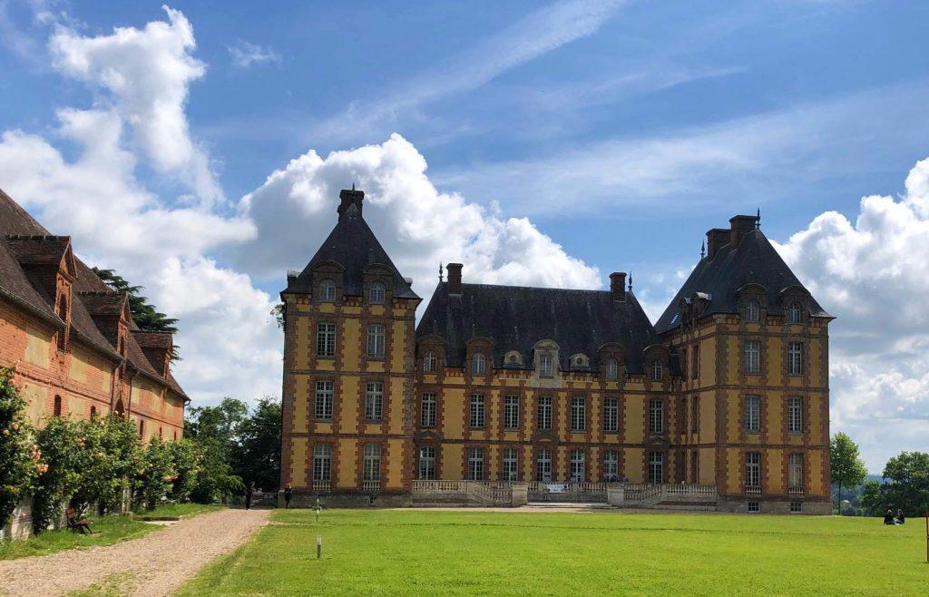 Domaine de Merval à Brémontier-Merval en Pays de Bray - Château